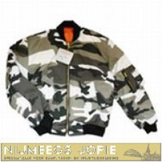 bomber wit camouflage